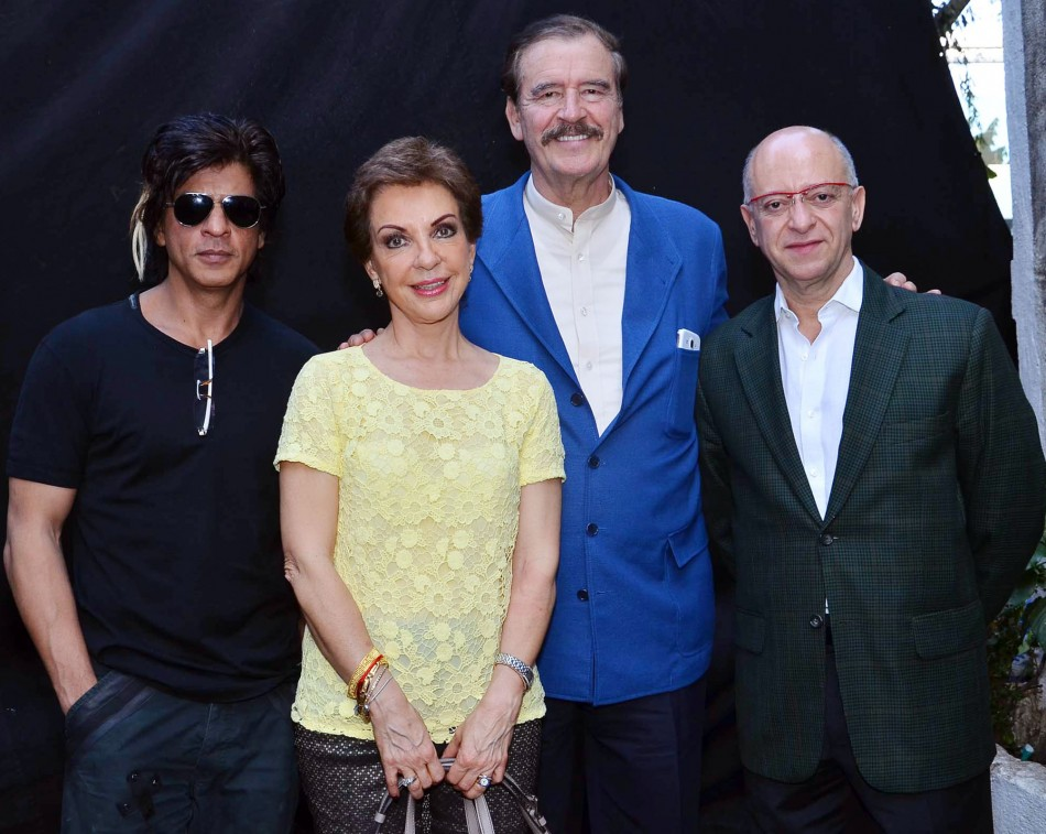 Shah Rukh Khan with Vicente Fox and Martha Fox.
