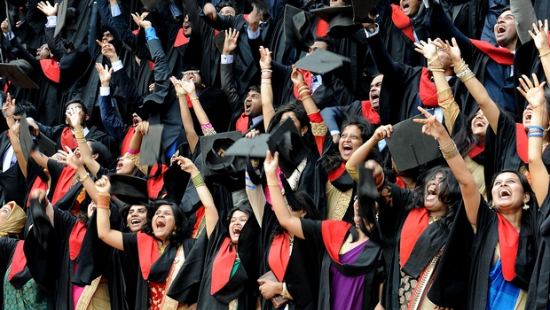 Bangalore Medical College students exulting during the convocation at the institute on Sunday I NAGESH POLALI
