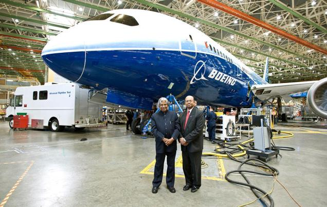 Nostalgia: APJ Abdul Kalam with Dinesh Keskar during his 2009 visit to Boeing's Seattle plant - PICTURE COURTESY: BOEING