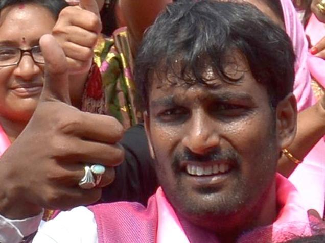 Borabanda Corporator Deputy Mayor, Mohammed Baba Fasiuddin at Gun Park Matyrs' Memorial in Hyderabad on Thursday. - Photo: Nagara Gopal / The Hindu