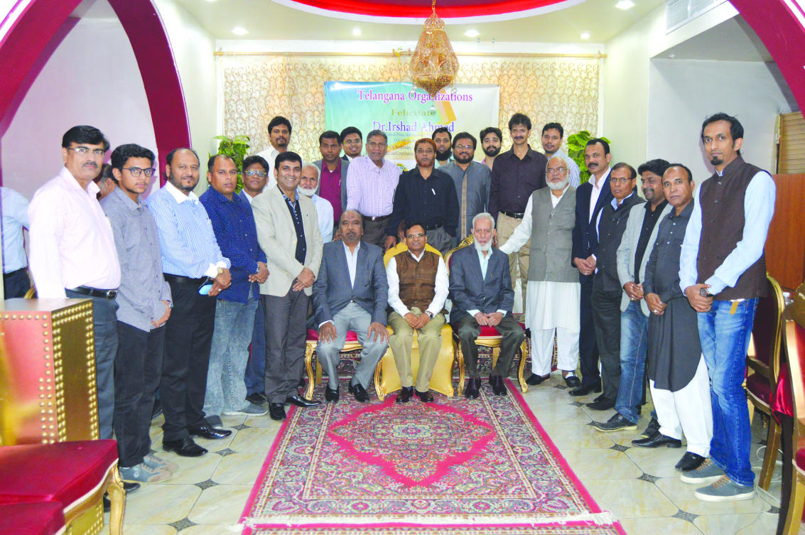 Dr.Irshad Ahmed (seated centre) with leading members of the Indian community in Jeddah at the farewell event