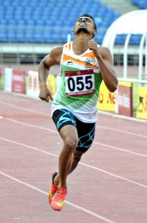Peerless: Muhammed Anas proved he is the master of the one-lap race in the country, by winning in a record time on Monday.