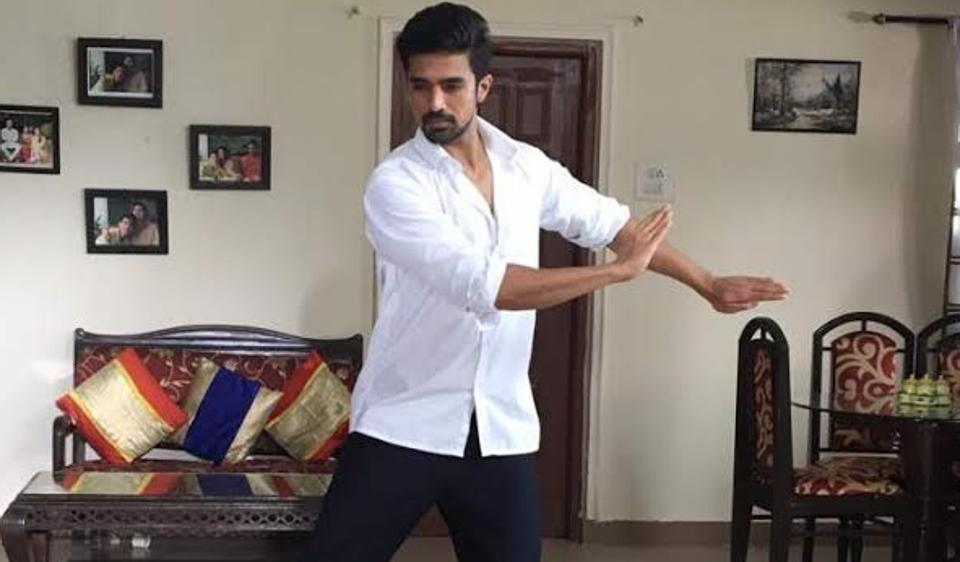 Saqib Saleem practices Kathak for his upcoming short film on Fathers' Day.