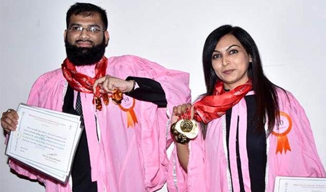 Sultan Moiuddin Shaukat Ali and Mansi Mayuri with Gold Medals at the 17th Convocation of MUHS Nashik.Photo credit Deshdoot