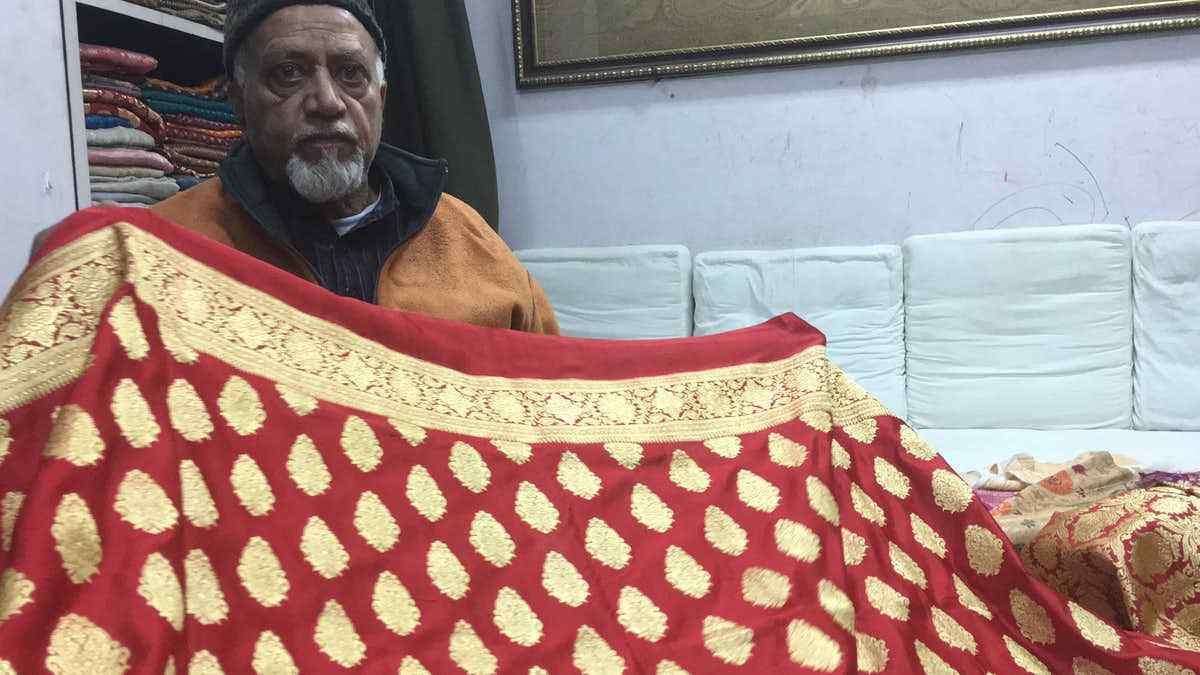 Craftsman of Anushka's Banarasi saree, Maqbool Hassan. (Photo Courtesy: Vikrant Dubey)